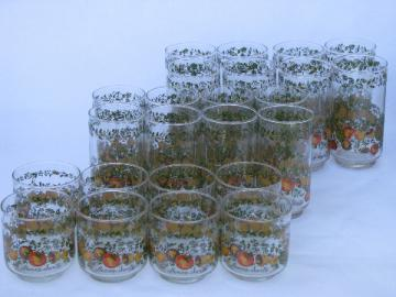 16 retro vintage kitchen glasses, never used Corningware Spice of Life