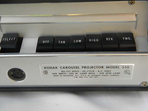 1960 Kodak model 550 carousel slide projector w/remote and rotary tray
