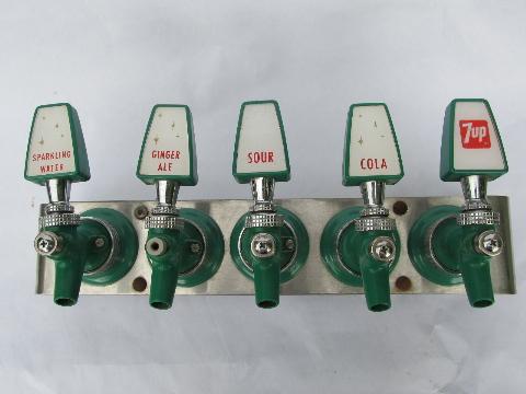1960 Vintage 7up Soda Fountain Taps Retro Pop Art Coat
