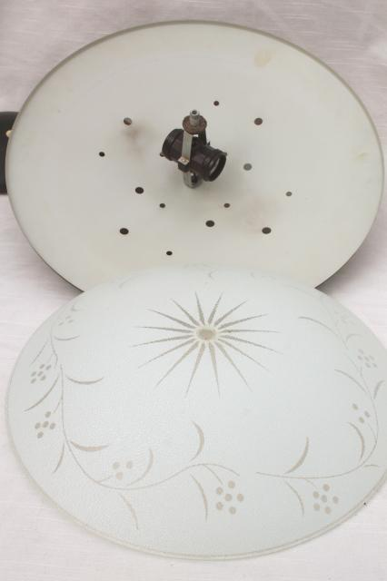 1960s Vintage Flying Saucer Pull Down Ceiling Light Mid