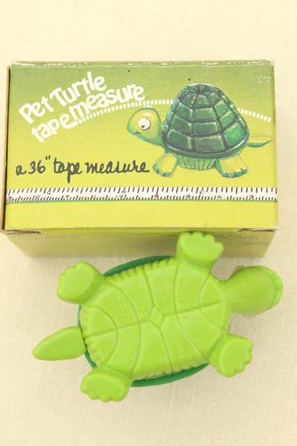 1980s plastic turtle tape measure, novelty toy for desk or sewing tool gadget