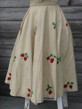40s vintage circle skirt w/ embroidered strawberries, Taxco Mexico label