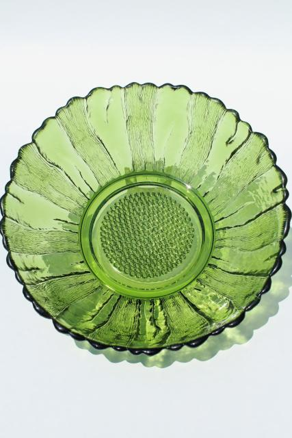60s 70s vintage flower power green glass daisy shape serving bowl for snacks or salad