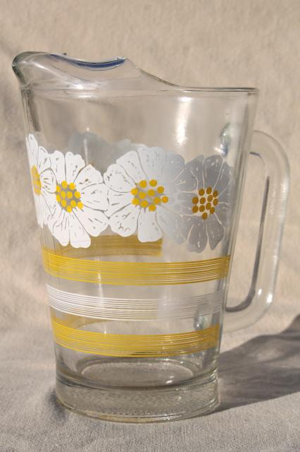 60s 70s Vintage Glass Pitcher W Daisies Yellow Amp White