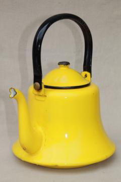 60s retro enamelware tea kettle, vintage sunshine yellow & black enamel metal teapot