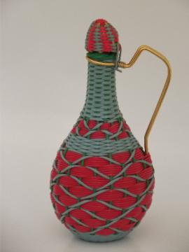 60s retro wine decanter, vintage basketweave bottle carafe w/ handle