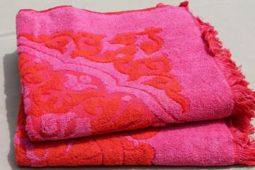 60s vintage cotton bath sheet beach blanket towels, hot shocking pink & red retro