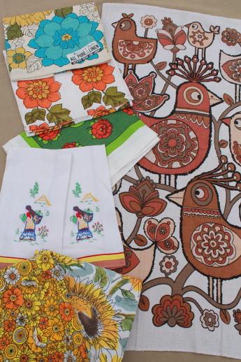 Attractive 60s Vintage Kitchen Linens Lot, Printed Linen Tea Towels, Embroidered Towel  Set Etc.