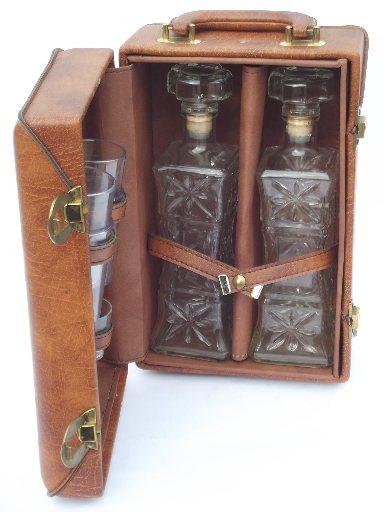Bon 60s Vintage Portable Bar Locking Travel Case Fully Equipped W