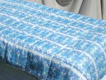 70s 80s retro blue print duvet, puffy poly fill comforter w/ Euro label