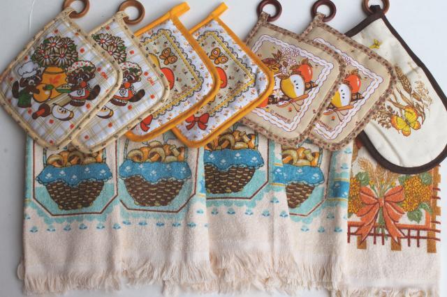 70s 80s Vintage New Kitchen Towels U0026 Potholders, Retro Print Mushrooms,  Raccoons, Wheat
