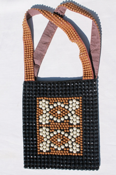 70s mod disco vintage plastic bead shoulder bag purse, tan and black
