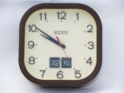 70 S Retro Bulova Battery Wall Clock Time Amp Date