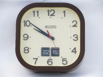 70's retro Bulova battery wall clock, time & date