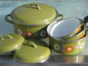 70s retro pots and pans, olive green w/ orange and purple daisy flowers