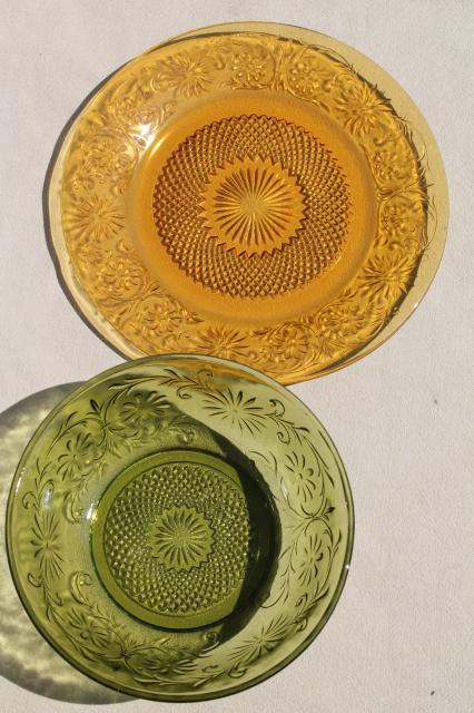 Vintage dish amber wheat pattern stemed