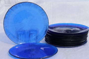 70s vintage cobalt blue glass salad plates, retro ice texture Sasaki rain glass