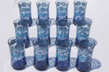 70s vintage Libbey drinking glasses set of 12, retro blue fade color w/ daisy print