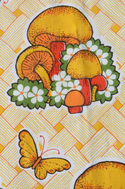 70s vintage mushrooms print kitchen apron, retro merry mushrooms in orange & yellow