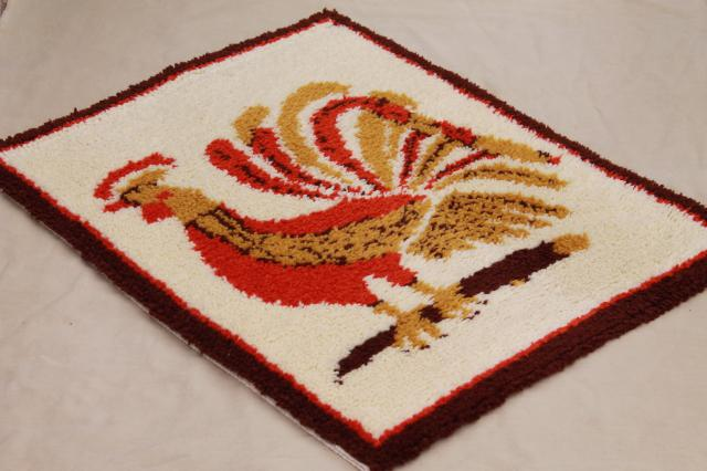 70s vintage shag rug latch hook yarn wall hanging, Scandinavian modern style rooster