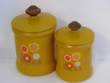70s vintage West Bend aluminum kitchen canisters, retro flower power daisies!