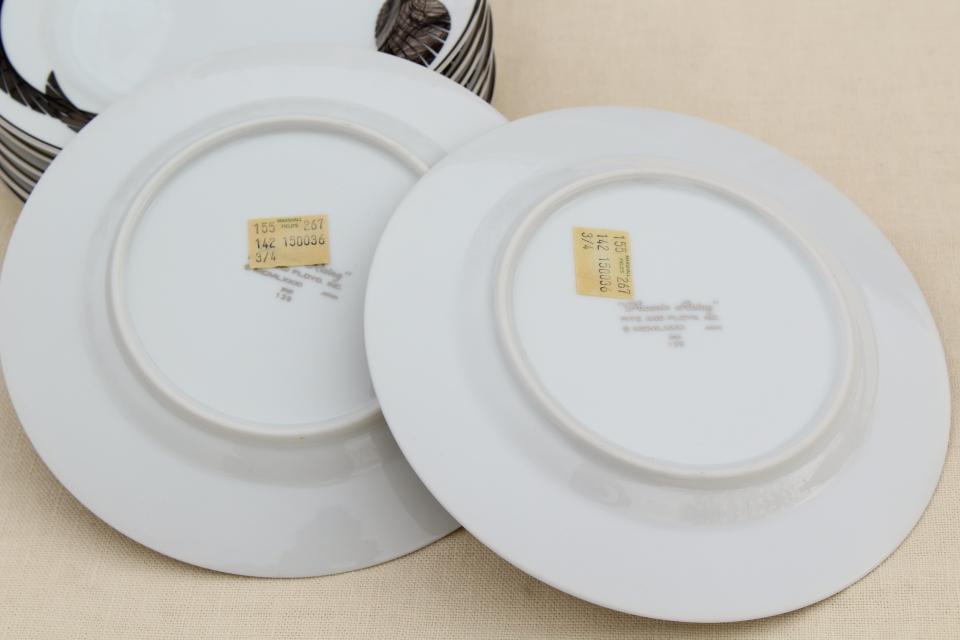 80s deco silver Phoenix Rising white porcelain plates vintage Fitz u0026 Floyd & 80s deco silver Phoenix Rising white porcelain plates vintage Fitz ...