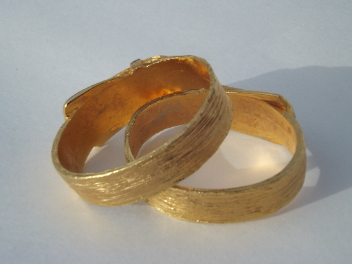 80s retro belted napkin rings set, gold tone metal belt and buckle