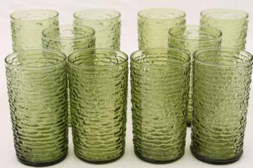 Anchor Hocking Soreno bark texture crinkle glass tumblers, 60s vintage avocado green drinking glasses