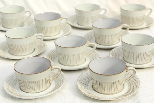 Cleopatra Fris Holland pottery, mod vintage ceramic coffee cups & saucers