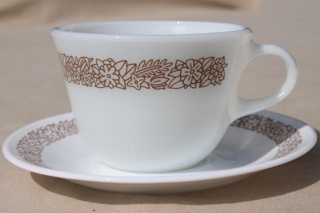 Corelle Woodland Brown Leaves Milk White Glass Corningware & Brown Dinnerware - Castrophotos