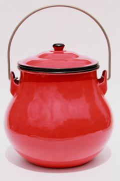 Danish mod style vintage Japan enamelware, red cooking pot kettle or lunch pail w/ handle