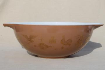 Early American Heritage vintage Pyrex 444 large Cinderella mixing bowl