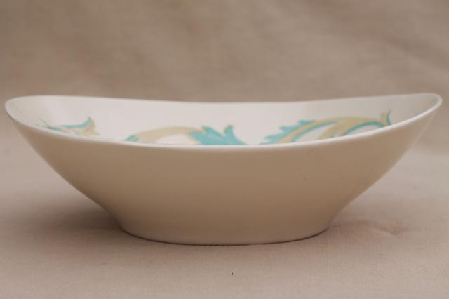Frontenac pattern Red Wing pottery serving bowl, mid-century mod vintage Futura shape
