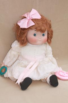 Hello Dolly music box vintage Dolly Dingle collector's doll w/ big round googly eyes