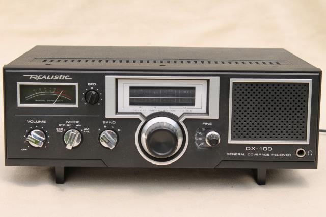 Realistic/Tandy DX-100 4 band receiver 80s vintage shortwave radio w/ original box