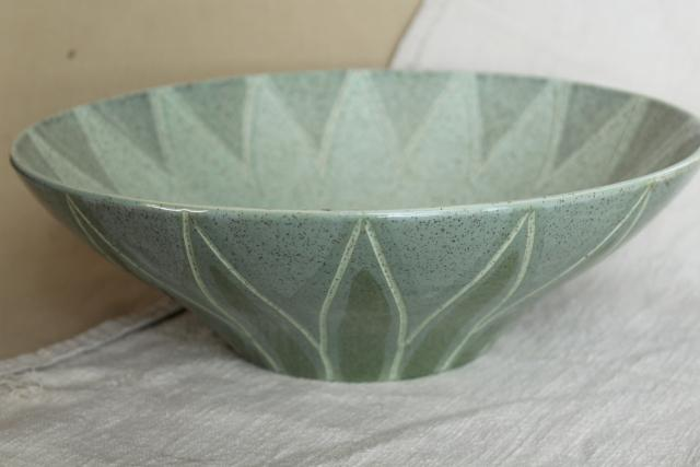 Red Wing pottery Spruce pattern salad serving bowl, mid-century mod vintage