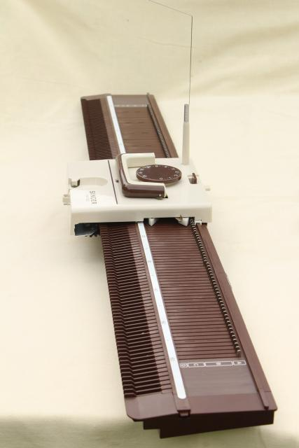 Singer HK-100 knitting machine, tabletop hand knit frame w/ accessories, instructions