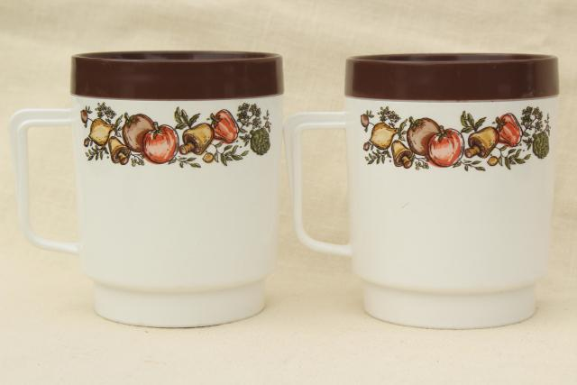 Spice of life kitchen seasonings insulated plastic mugs, retro 70s vintage