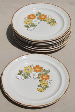 Spring Garden Hearthside Japan stoneware dinner plates, 70s vintage pottery w/ mod flowers