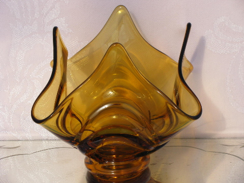 Amber art glass handkerchief vase
