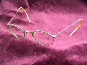 Antique vintage wire rimed  spectacles/eyeglasses w/steel temples