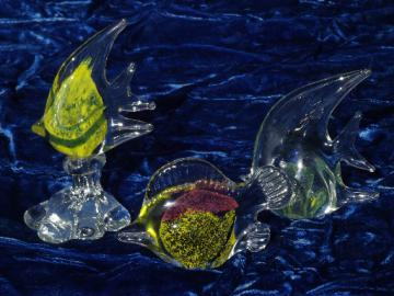 Art glass fish paperweights set, swirls of colored bubbles in crystal