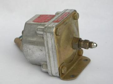 Barksdale pressure or vacuum activated switch D1H-A400SS