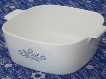 Big 4 qt Corningware casserole, vintage blue cornflower Corning ware