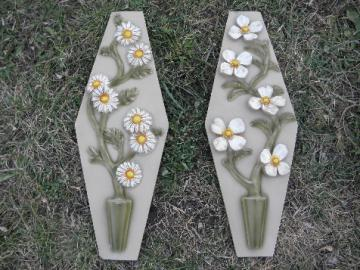 Big 60s retro vintage chalkware wall art plaques w/ daisy flowers
