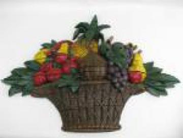 Big hand painted fruit basket wall plaque, retro vintage Dart plastic, 1965