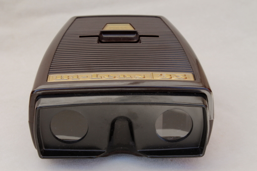 Bi-Lens 35mm slide viewer with built in light, Sawyer's binocular style slide viewer in box