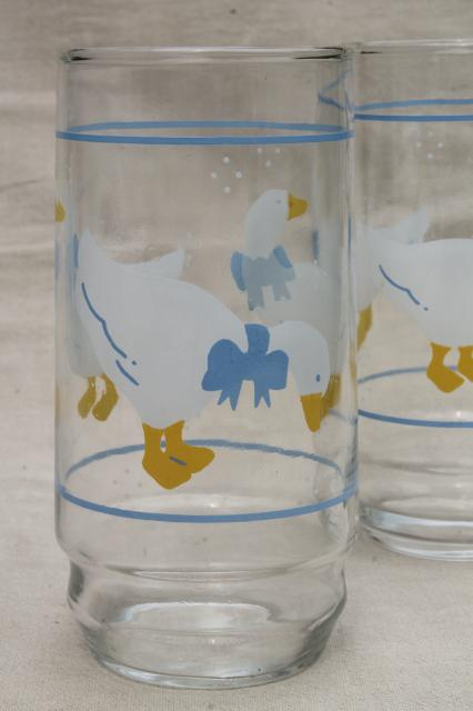 blue ribbon bow country goose print drinking glasses, 80s