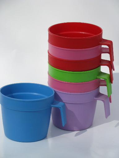 Bright Colors Vintage Plastic Picnic Cups Stackable Mugs