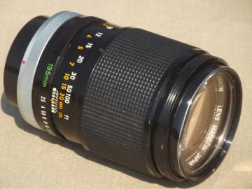 Canon FD 135mm 1:2.5 telephoto lens, vintage Canon camera lens F1, A1, AE-1